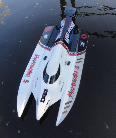 RC F1 Brushless Speedboot 60 km/h Flutkanal 2,4 GHZ 43 cm Powerboot Rennboot